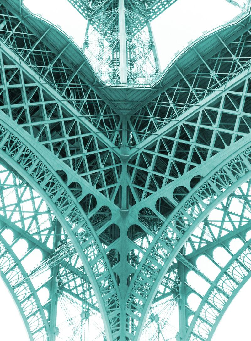 Zuri_Zuberi_Eiffel