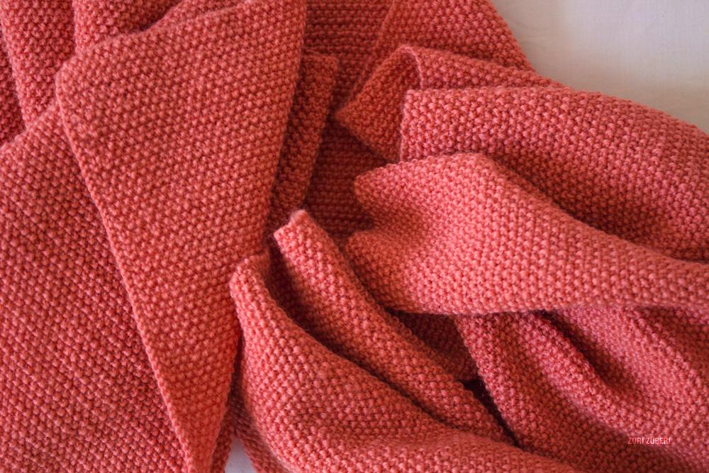 Zuri_Zuberi_peach_knitted_scarf_4